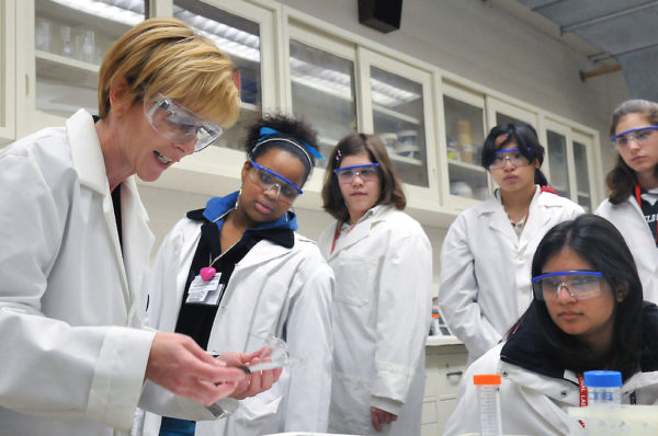 SFI Advance Award makes funding available for female science researchers